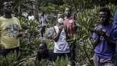 Pemberlakuan jam malam untuk menekan penyebaran virus corona di Kenya malah berujung aksi brutal polisi.