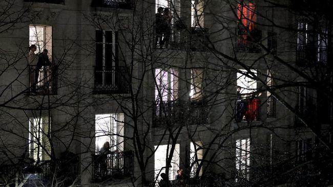 Pemerintah Prancis mulai memberlakukan jam malam pada Sabtu mendatang (16/1).