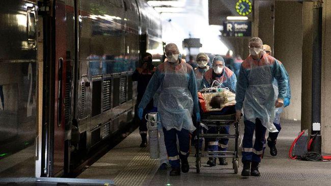 Seorang pasien positif terjangkit Covid-19 dan satu bayi pasien dalam pengawasan (PDP) virus corona di Kendari dilaporkan meninggal dunia.
