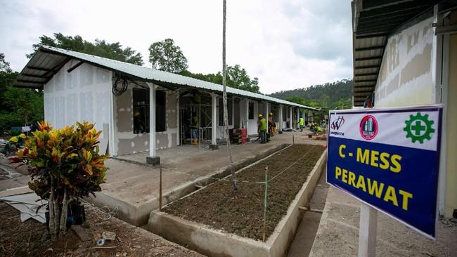 Bekas camp pengungsi Vietnam di Pulau Galang disulap pemerintah menjadi RS Darurat Corona, namun renovasinya meleset dari target operasional akhir maret.