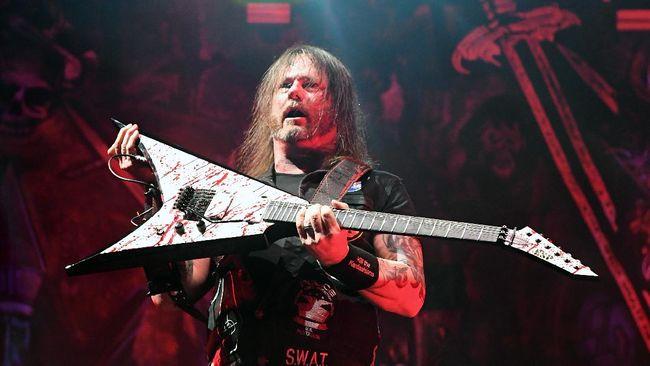 Gitaris Slayer dan Exodus, Gary Holt, tetap berkarya meski baru saja dinyatakan positif terinfeksi virus corona.