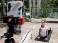 FOTO: Mencari Tenang dan Sehat Lewat Yoga Online