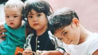 <p>Maia Estianty mengaku masih sering merindukan masa kecil anak-anaknya. Katanya sih kangen bau keteknya nih. Apalagi Dul masih lucu-lucunya ya. (Foto: Instagram @maiaestiantyreal)</p>