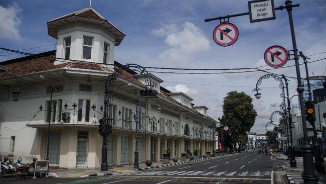 Jumlah pasien positif corona di Kota Bandung meningkat. Namun, Pemkot Bandung belum mengajukan penerapan PSBB.