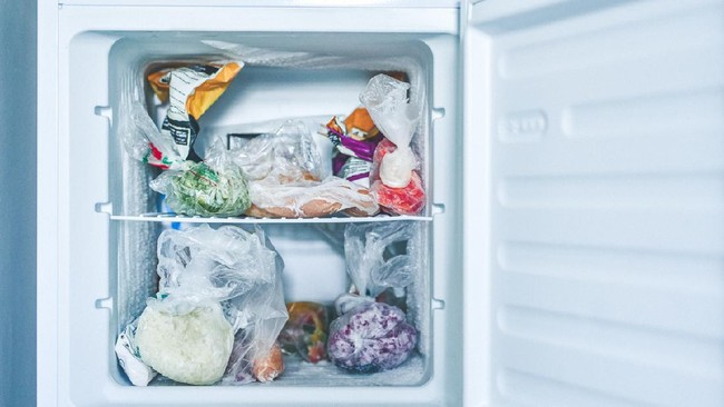 5 Tips Menjaga Suhu Kulkas agar Makanan Tak Cepat Busuk