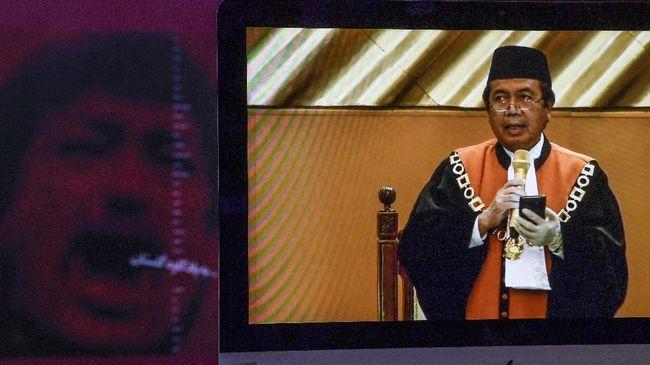 Ketua MA terpilih M Syarifuddin memiliki rekam jejak karier gemilang sekaligus kontroversi pemangkasan vonis sejumlah koruptor.