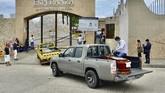 Sejumlah jenazah yang meninggal karena pandemi virus corona terbungkus plastik tergelatak tak terurus di jalanan Guayaquil, Ekuador.