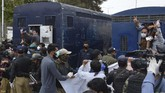 Asosiasi dokter di Quetta, Yasir Ackakzai mengatakan pemerintah tidak mengikuti imbauan WHO untuk memberikan perlindungan bagi dokter dan tim medis yang berada di garda terdepan.(Banaras KHAN/AFP)