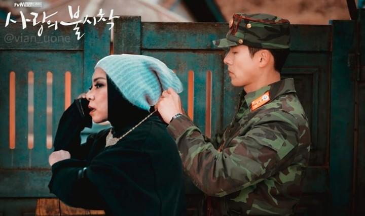 Selama di rumah saja saat pandemi corona, Melly Goeslaw membuat halu challenge yang kocak bareng artis Korea. Berikut ini foto-fotonya, Bun.