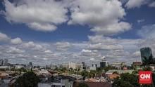 Warganet Pamer Foto Langit Jakarta Biru Cerah Hari Ini