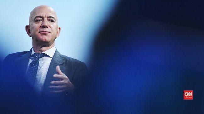 Jeff Bezos menjadi orang pertama di dunia yang berhasil mengumpulkan kekayaan US$200 miliar setelah saham Amazon naik Rabu (26/8) kemarin.