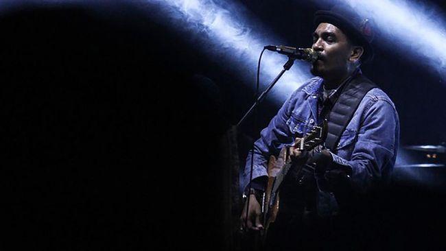 Lewat Instagram, Yovie Widianto melepas kepergian sahabatnya yang juga musisi kenamaan Indonesia, Glenn Fredly.
