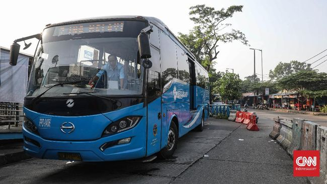 Sejumlah rute TransJakarta diubah atau diperpendek buat mengantisipasi demonstrasi pada Hari Sumpah Pemuda di Jakarta.