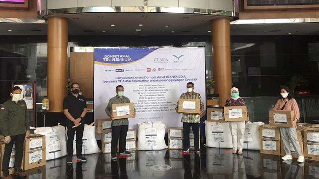 CT ARSA Foundation Serahkan Donasi ke 9 RS Lawan Corona