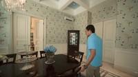 <p>Ruang tamunya tak hanya satu, ada pula tempat khusus untuk menjamu tamu kenegaraan atau rekan bisnis. (Foto: YouTube Atta Halilintar)</p>
