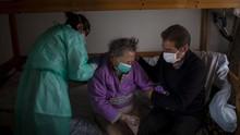 Vaksin Corona Oxford Diklaim Picu Kekebalan untuk Orang Tua