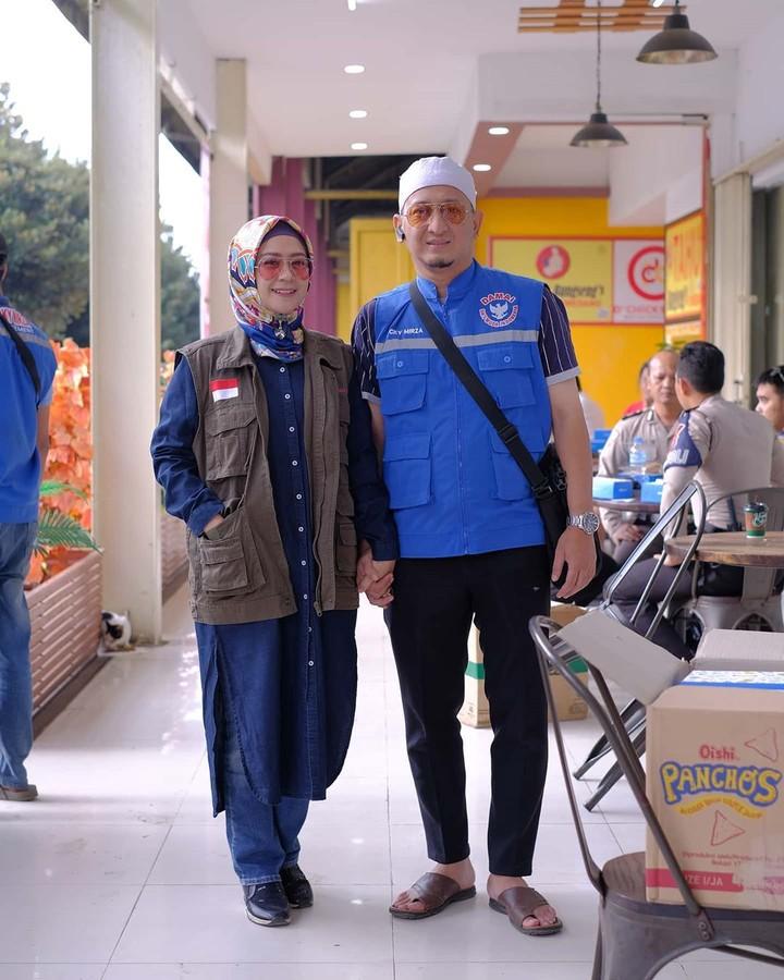 Ustaz Zacky Mirza dan Shinta Tanjung