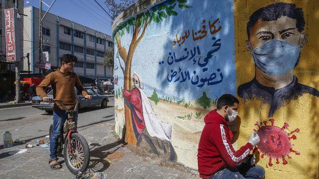WHO mengirimkan bantuan alat tes Covid-19 ke Jalur Gaza, Palestina, setelah pemerintah Hamas menyatakan kekurangan peralatan itu.