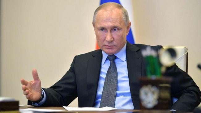 Mengenal Putri Cantik Vladimir Putin yang Disuntik