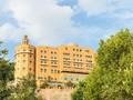 10 Hotel Bersejarah, dari Drama Perang sampai Keributan Mafia