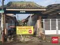 Warga Sejumlah Perumahan Depok Tutup Jalan Selama PSBB