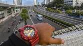 Suasana lengang di Tol Dalam Kota di Jakarta, Senin (6/4/2020) pukul 07.00 WIB. ANTARA FOTO/Muhammad Adimaja