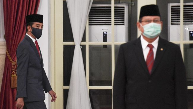 Nama Jokowi, Prabowo, dan Anies Baswedan masuk urutan teratas dalam survei terkait Pilpres 2024. Lembaga survei Indo Barometer membuat tiga skenario.