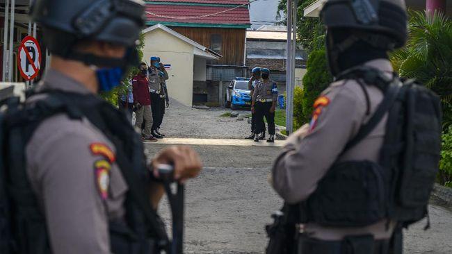 Kapolda Sulawesi Tengah, Irjen Abdul Rakhman Baso meminta teroris Mujahidin Indonesia Timur (MIT) menyerahkan diri dan menjalani hukuman.
