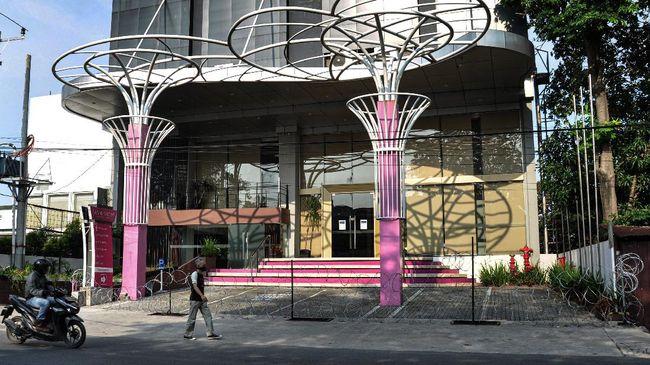 PHRI mencatat sekitar 1.600 restoran tutup sejak tahun lalu sampai awal 2021 ini karena kondisi ekonomi dan keuangan tertekan virus corona.
