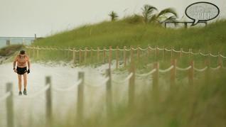 FOTO: Robert Kraft, 'Penguasa' Pantai Miami di Tengah Corona