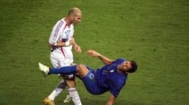 Materazzi Mengaku Tak Hina Ibu Zidane di Final Piala Dunia