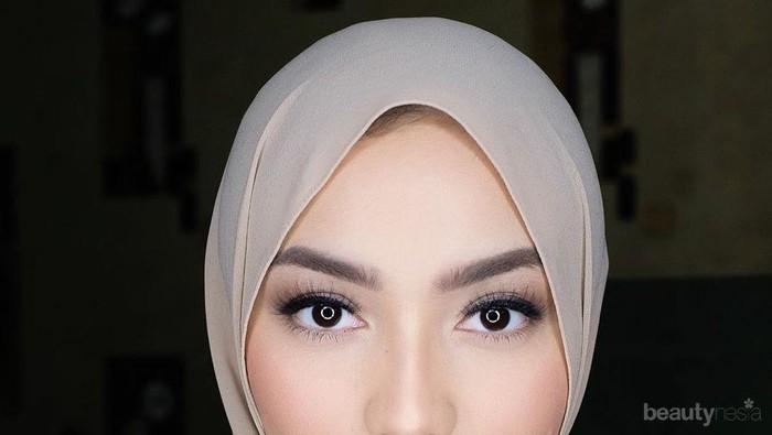 Berbagai Gaya Hijab Segi Empat Hits ala Citra Kirana