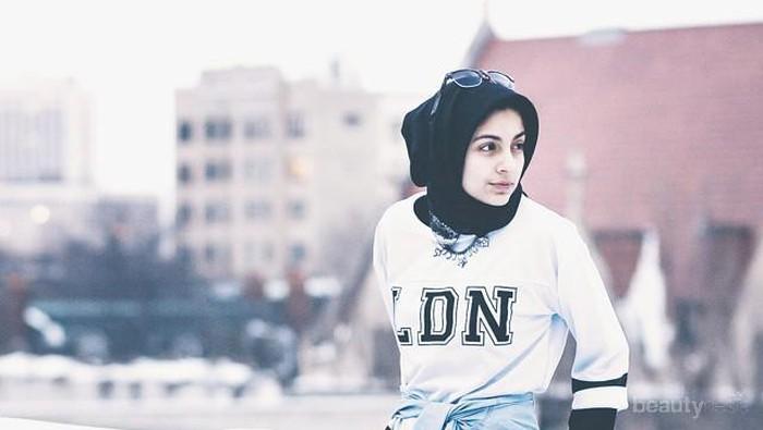 Intip Yuk Gaya Fashion Hoda Katebi, Blogger Muslim yang Jadi Icon Berhijab di AS!