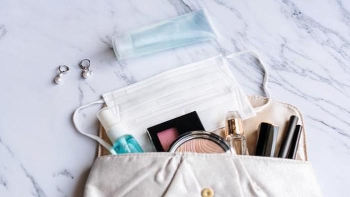 Tips Mencegah Penyebaran Virus melalui Produk Kecantikan