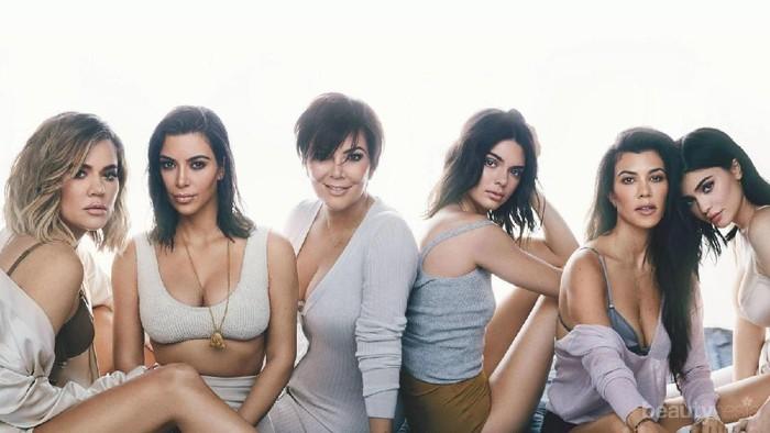 Jadi Panutan Tren Dunia, Ini Dia Gaya Fashion Casual ala Keluarga Kardashian