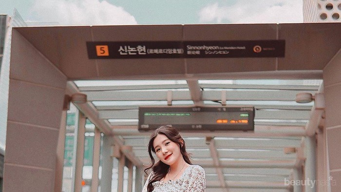 Chic & Feminin, 8 Inspirasi Gaya Fashion Korea ala Influencer Michimomo