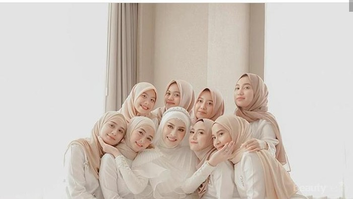 Tutorial Hijab Bridesmaid Simple dan Elegan