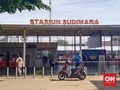 PSBB di Tangsel: Jalan Tutup, Stasiun Sepi Namun Pasar Ramai