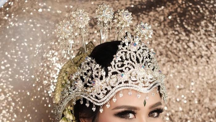 Tanpa MUA, Kamu Bisa Lho Makeup Sendiri di Hari Pernikahan!