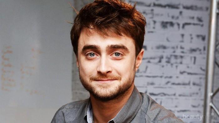 Pasti Kamu Pernah Ngefans, Daniel Radcliffe Ternyata Bukan Cuma Main di Film Harry Potter!
