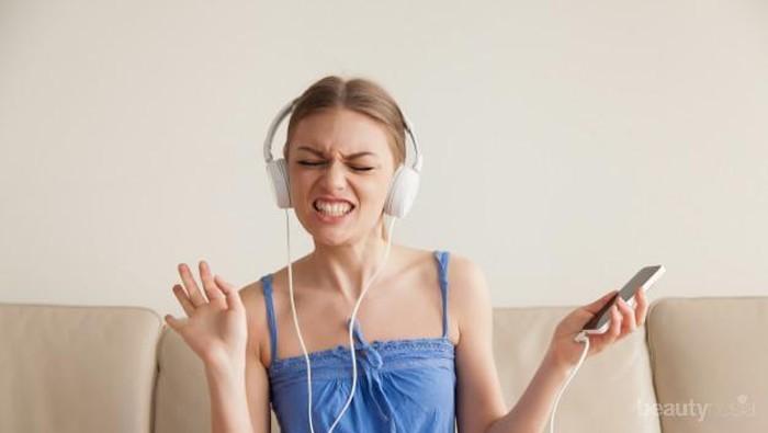 Agar Tetap Asik #Dirumahaja Dengerin Lagu-lagu Penyemangat Ini Yuk!