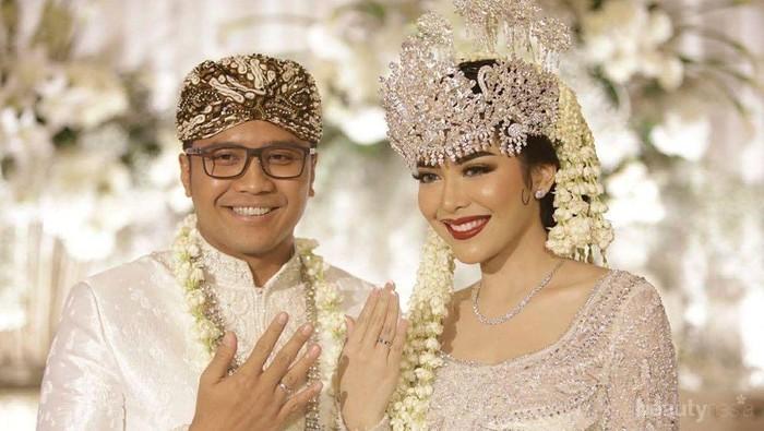8 Momen Manis Pernikahan Selebgram Rica Andriani saat Dinikahi Perwira Polisi