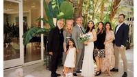 <p>Rahma Azhari melangsungkan nikahnya di Los Angeles, Amerika Serikat. Foto: Instagram @razhaarita)</p>