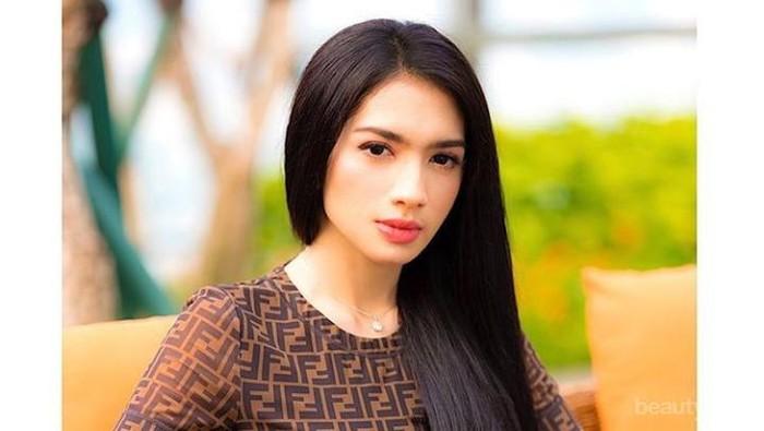 10 Potret Body Goals Angel Karamoy yang Makin Seksi, Apasih Rahasianya?