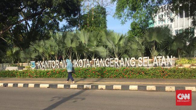 Kota Tangsel jadi bagian gelombang pertama daerah yang menerima vaksin Covid-19 di Banten akibat tingkat kematian yang tinggi.