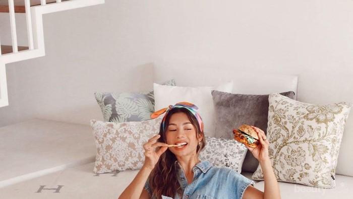 Gak Banyak yang Tahu, Menu Sarapan Ini Jadi Kunci Body Goals Jennifer Bachdim