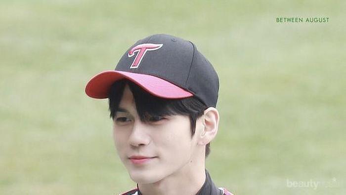 Ganteng Banget, 5 Idol K-Pop Pria Ini Menawan Pakai Topi Baseball