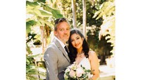 <p>Kabar bahagia dari keluarga Azhari, Rahma Azhari menikah untuk kedua kalinya dengan kekasihnya yang bule. (Foto: Instagram @razhaarita)</p>