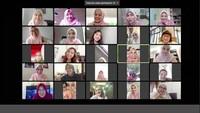 <p>Beberapa sahabat artis Vebby ikut menghadiri pernikahan ini secara virtual. Di antaranya ada Dhini Aminarti, Dewi Sandra, Cut Meyriska, dan Shireen Sungkar. (Foto: Instagram Story @natasharizkynew)</p>
