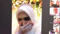 <p>Vebby tampak malu-malu nih usai resmi menikah dengan Razi. (Foto: Instagram Story @hepidavid)</p>